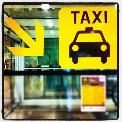 taxi familial en direction de la gare de St Jean