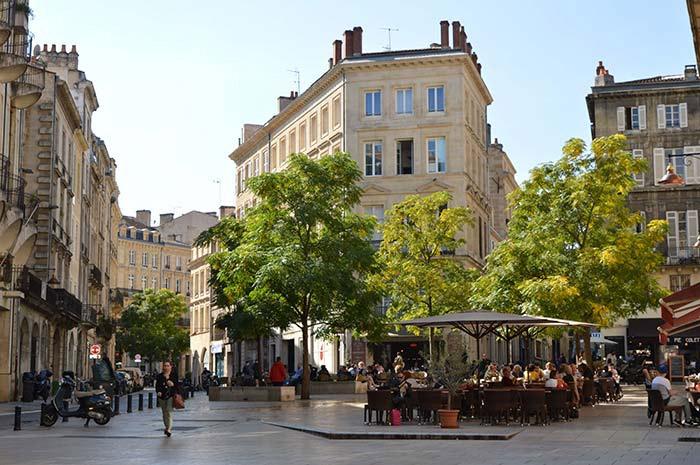 déplacement dans Bordeaux  en taxi